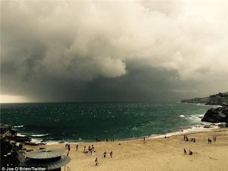 """Sydney bất ngờ bị cơn bão mùa hè """"tấn công"""" 1"""