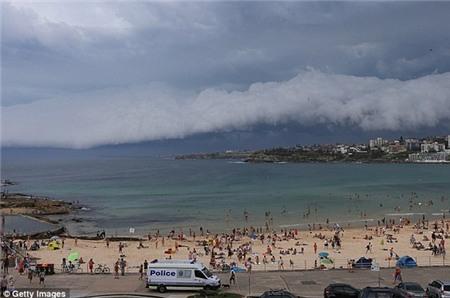 """Sydney bất ngờ bị cơn bão mùa hè """"tấn công"""" 5"""