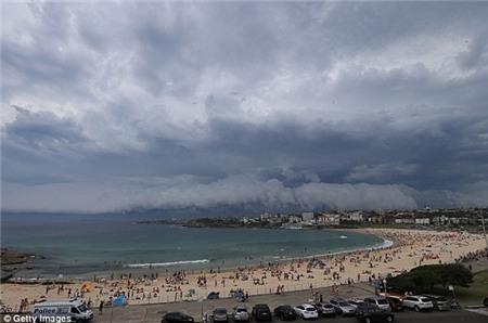 """Sydney bất ngờ bị cơn bão mùa hè """"tấn công"""" 6"""