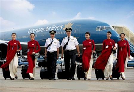 Trái chiều ý kiến về đồng phục mới của Vietnam Airlines