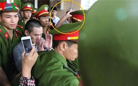 Hung thủ Lý Nguyễn Chung liệu có bị tát tại sân tòa lần nữa?