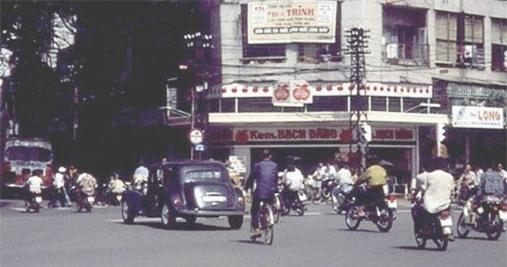 Những hàng quán danh tiếng hơn 40 năm ở Sài Gòn_1