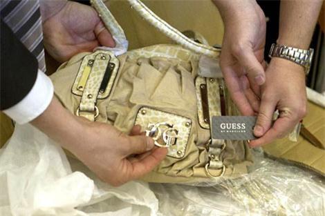 made in Vietnam, Gucci, Louis Vuitton, dân buôn, quảng châu
