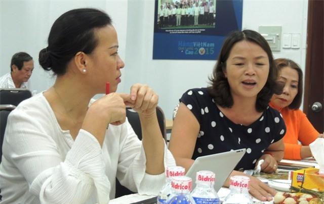 ThS Phạm Thị Thuý (bên trái) - người cho rằng bánh xe bạo lực đang như một vòng quay khủng khiếp