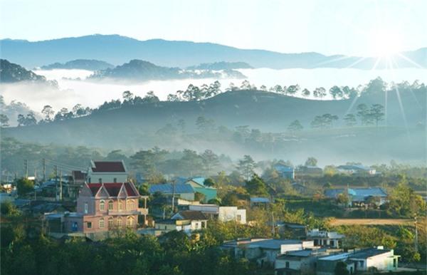 4 điểm du lịch trốn nóng lý tưởng nhất Việt Nam - Ảnh 8