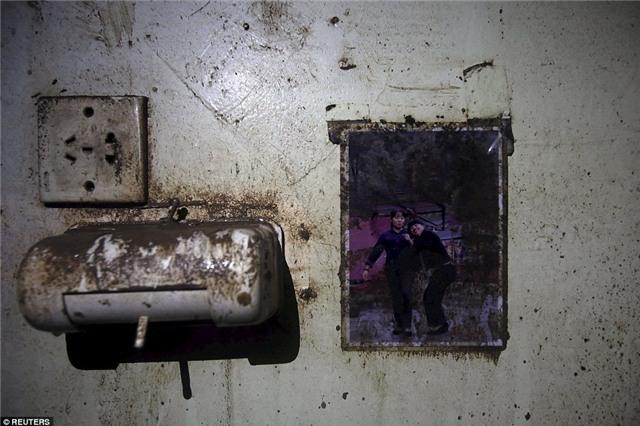 Những bức hình ám ảnh bên trong con tàu bị chìm ở Trung Quốc - Ảnh 8