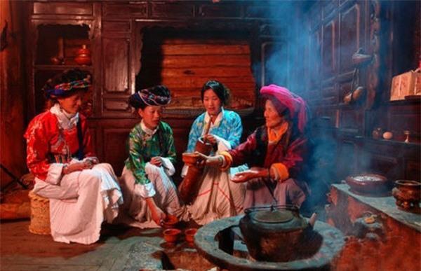 Ghé thăm bộ tộc nơi phụ nữ có đặc quyền tình một đêm 4
