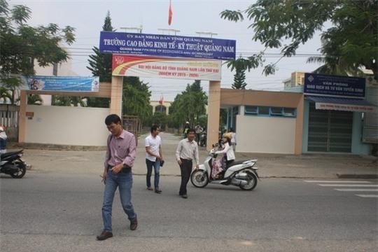 Không tuyển được sinh viên, 118 giảng viên mất việc