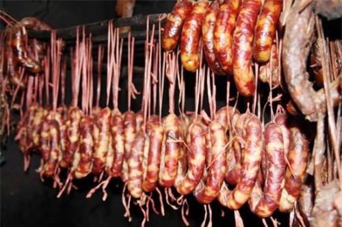 Những thực phẩm gây ung thư cao đang nằm trong tủ lạnh nhà bạn - Ảnh 1