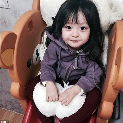 'Bông hồng lai' 3 tuổi Nhật Bản gây sốt khắp châu Á vì quá xinh - 4