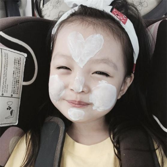 'Bông hồng lai' 3 tuổi Nhật Bản gây sốt khắp châu Á vì quá xinh - 7