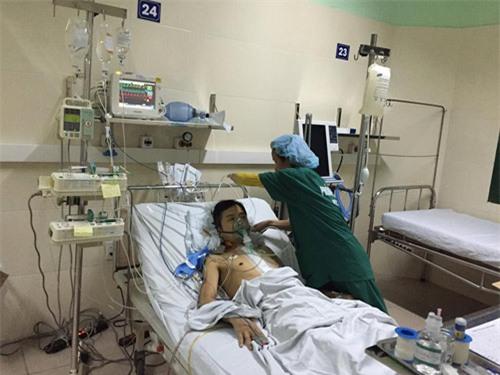 Bệnh nhân cận kề cái chết được hồi sinh nhờ ghép tim - 1