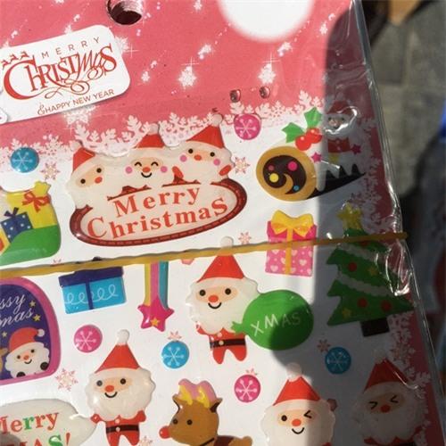 Tràn lan đồ chơi Noel cho trẻ nhỏ không rõ nguồn gốc