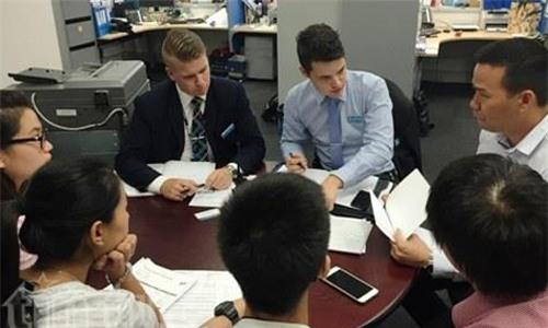người Việt ở Úc bị lừa mua vé máy bay giả, du học sinh bị lừa mua vé máy bay, Vi Tran