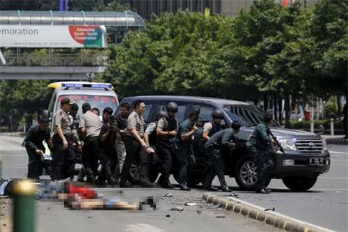 Indonesia, Jakarta, nổ bom, đấu súng, cảnh sát, Starbucks, trung tâm mua sắm