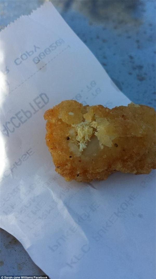 New Zealand: Thực khách kinh hãi khi phát hiện ra sự thật đằng sau lớp da gà KFC - Ảnh 3.
