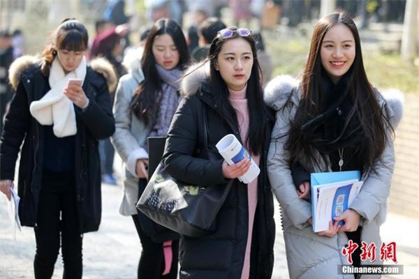 Ngắm những thần tiên tỷ tỷ tương lai của trường nghệ thuật nổi tiếng Trung Quốc - Ảnh 2.