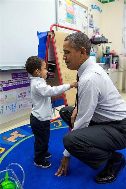Ảnh Obama và những đứa trẻ gây sốt mạng Twitter - Ảnh 4.