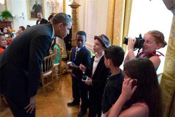 Ảnh Obama và những đứa trẻ gây sốt mạng Twitter - Ảnh 5.