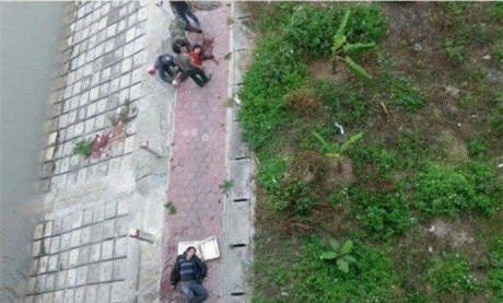 Hai bố con cùng nhảy cầu Phú Lương tự sát