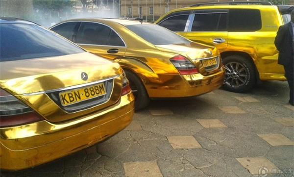 Phong cách xài vàng xa xỉ chẳng kém gì giới nhà giàu Dubai của vị đại gia châu Phi - Ảnh 8.