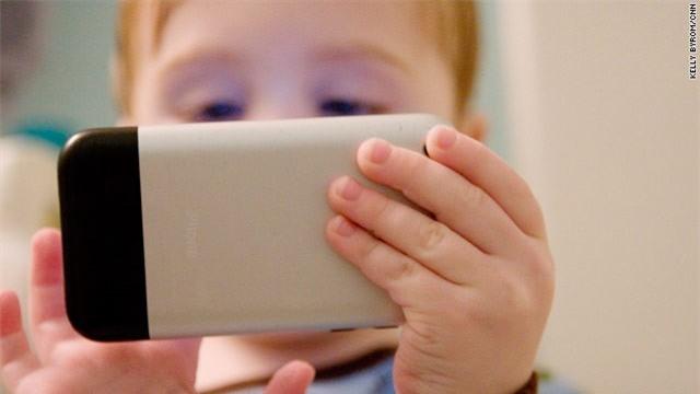 Điện thoại di động có thể gây ung thư não, vô sinh
