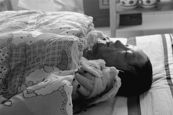 Bị từ chối, cậu ấm Trung Quốc thiêu sống cô gái 17 tuổi và cái kết đầy phẫn nộ - Ảnh 1.