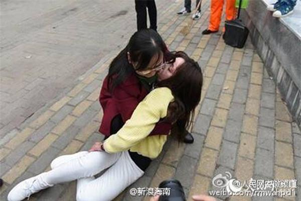 Bị từ chối, cậu ấm Trung Quốc thiêu sống cô gái 17 tuổi và cái kết đầy phẫn nộ - Ảnh 3.
