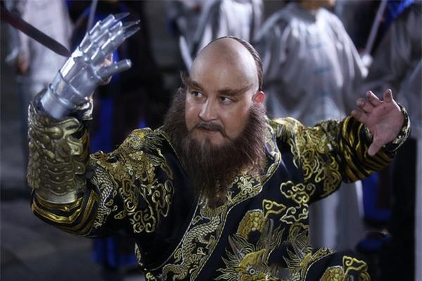 Tạo hình Ngao Bái trên phim.