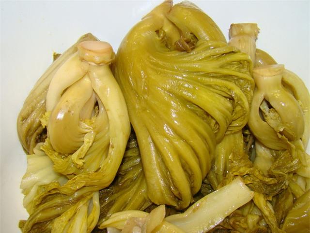 Đà Nẵng: Sau măng tươi, dưa cải muối cũng chứa chất vàng ô - Ảnh 1.