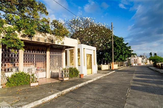 Toàn cảnh khu biệt thự xa hoa dành cho người chết tại Philippines - Ảnh 2.