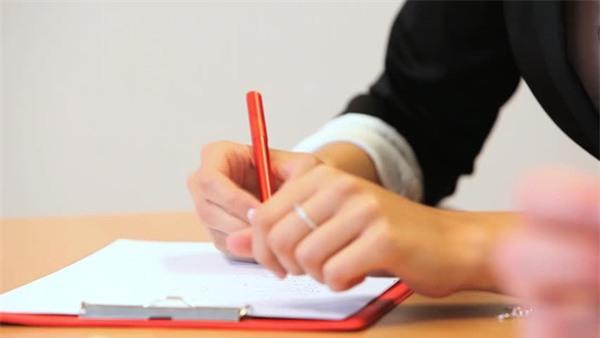 phong thủy tình yêu bút đỏ