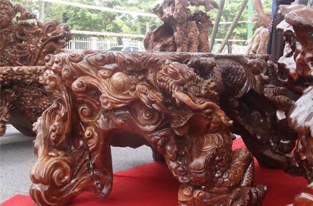 bộ bàn ghế gỗ lũa, gỗ gù hương, triển lãm sinh vật cảnh, ghế vua