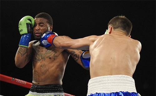 """""""Cậu bé vàng"""" boxing: 35 trận, 32 knock-out - 1"""