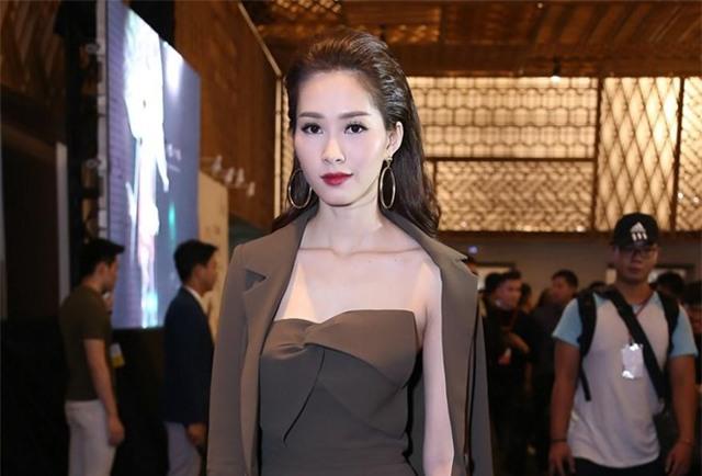 Hoa hậu Thu Thảo bất ngờ chuyển phong cách cá tính