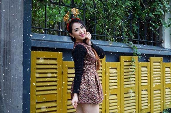 Trải qua hành trình dài thích gì mặc nấy, năm 2015 Lương Bích Hữu lại quay về với phong cách ngây thơ dù đã 31 tuổi.