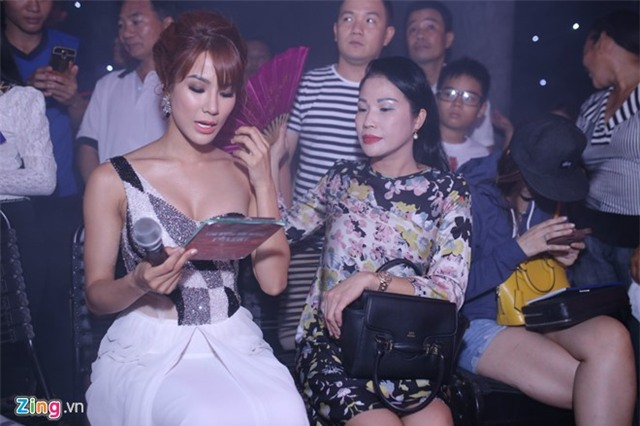 Hari Won che mat den ung ho Tran Thanh tai Got Talent hinh anh 8