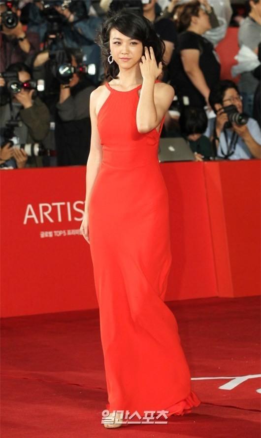 Những nữ nghệ sĩ Hoa ngữ được báo chí quốc tế sủng ái nhất trên đấu trường thảm đỏ - Ảnh 15.