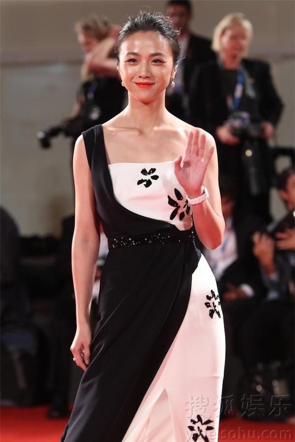Những nữ nghệ sĩ Hoa ngữ được báo chí quốc tế sủng ái nhất trên đấu trường thảm đỏ - Ảnh 16.