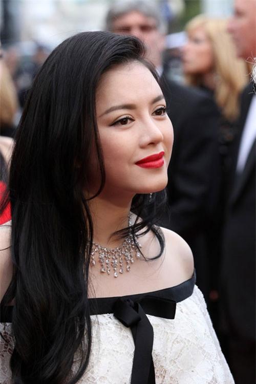 Boc mac vay hang hieu cua Ly Nha Ky tai Cannes 2013 hinh anh 2