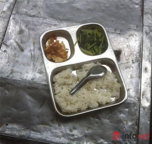 thuc hu bua com ban tru 15 nghin dong bao nguoi xot xa - 1