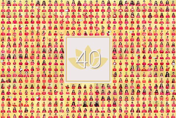 Bức ảnh có sự góp mặt của hơn 600 học sinh Kim Liên