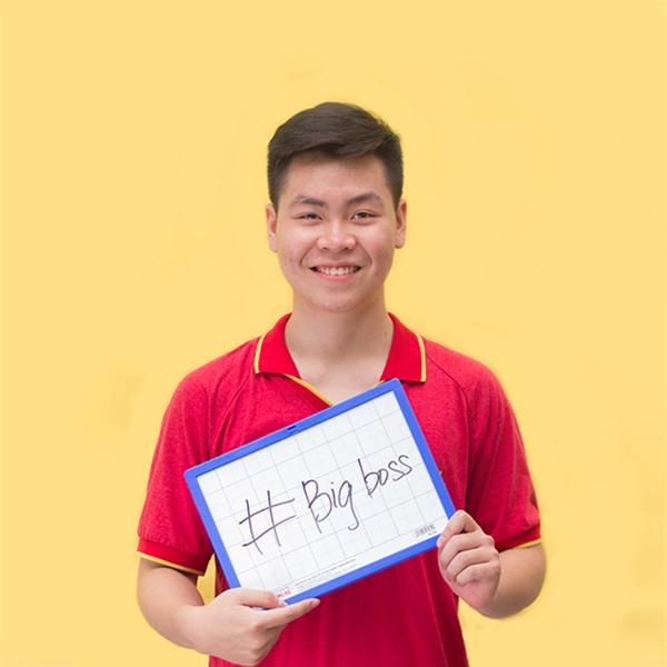 Một số các học sinh trong bộ ảnh. Bạn Nguyễn Tuấn Phong lớp 12A2