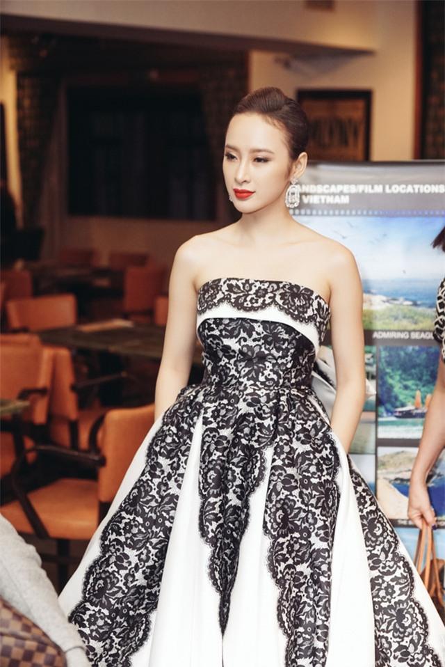 Angela Phương Trinh diện váy lộng lẫy xuất hiện tại Czech - Ảnh 2.