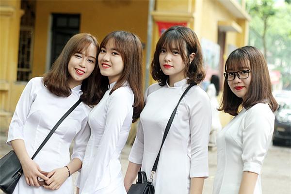 Từ lâu, trường THPT Phan Đình Phùng đã có tiếng là ngôi trường của nhiều học sinh vừa nhiều thành tích cao, vừa có vẻ đẹp ngoại hình ấn tượng