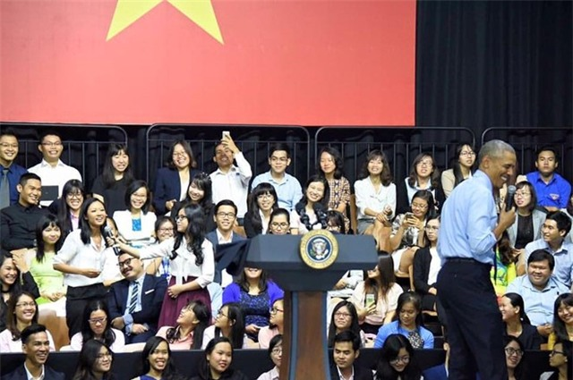 Suboi: 'Sau buoi giao luu, ong Obama bat tay va khen toi' hinh anh 2