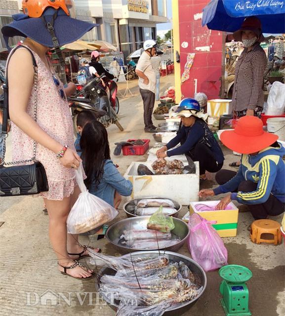 http://ttol.vietnamnetjsc.vn//2016/05/27/10/25/5-loai-hai-san-xu-quang-hut-hon-du-khach_3.jpg