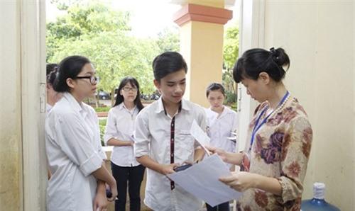 Tuyển sinh vào lớp 10 ở Hà Nội: Tái diễn 'chiêu' chuyển trường? - 2