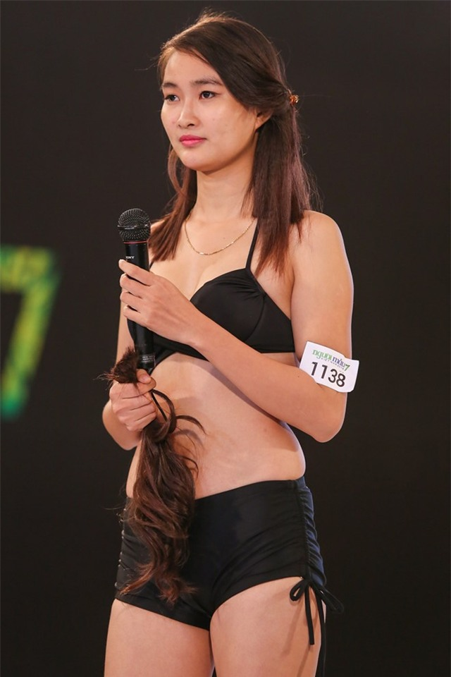 Thanh Hang cat toc, Ly Qui Khanh cat ao tam cua thi sinh hinh anh 3