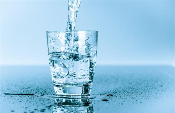 Đừng uống nước khi ăn, bạn sẽ khỏe mạnh và sống thọ như người Nhật! - Ảnh 2.